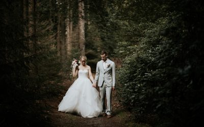 Moody fairytale wedding in Jachthuis Beukenrode, Doorn
